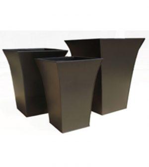 macetero-curvo-cuadrado-negro-z4044