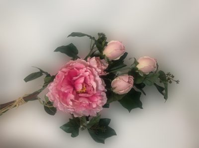 https://www.corel.cl/producto/arreglo-de-rosas-rosada/
